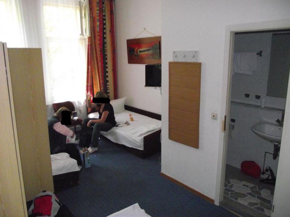 """das zimmer mit 2 von 3 betten"""" hotel messe am funkturm in berlin, Hause deko"""