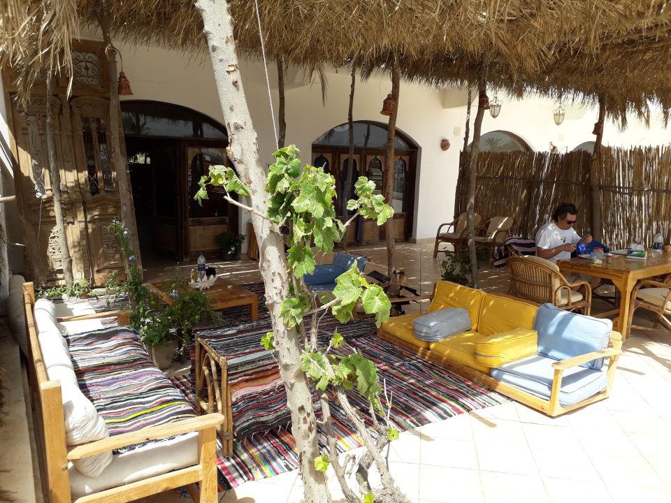 Lobby Rihana Guest House