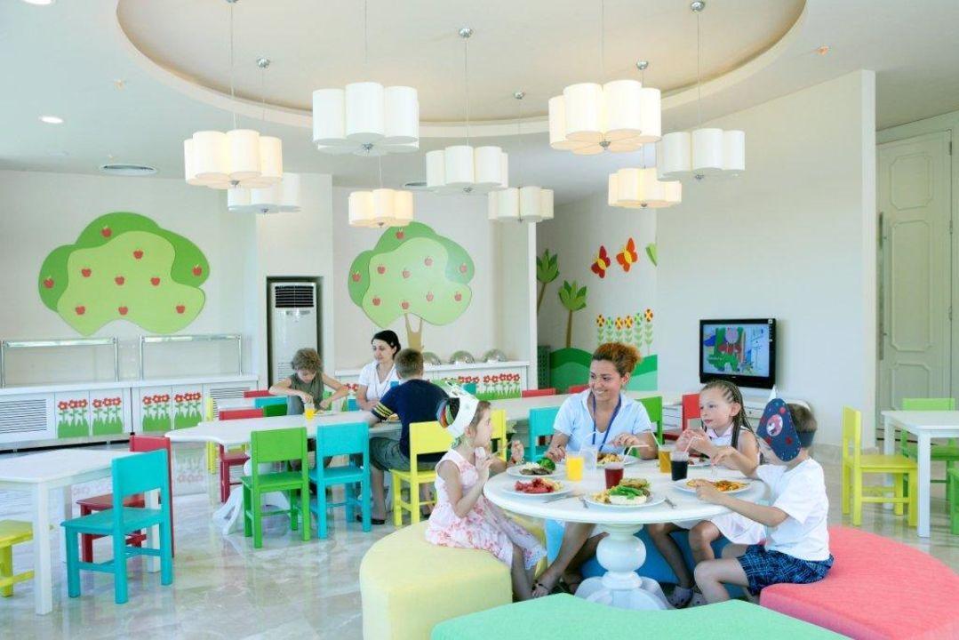 Kinderrestaurant kiri world hotel by voyage for Designhotel kinder