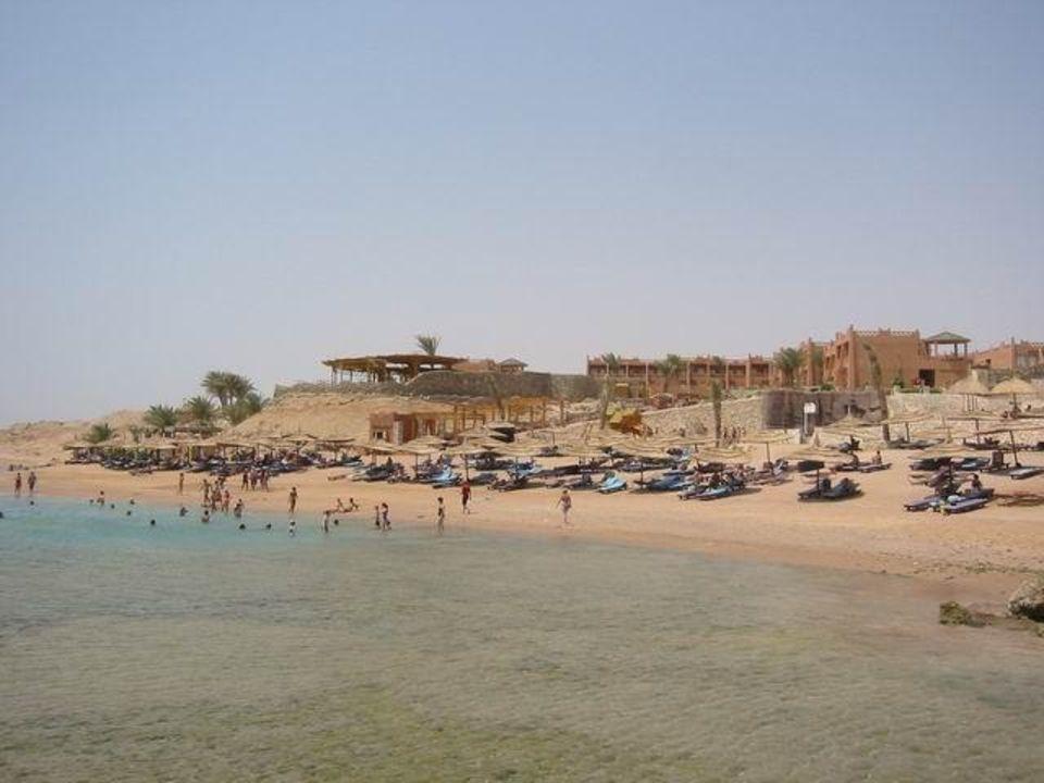 Strand vom Steg gesehen Hotel Hauza Beach Resort