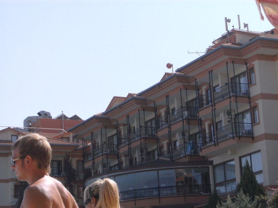 Hotel vom Pool aus gesehen Adalya Art Side/Artside