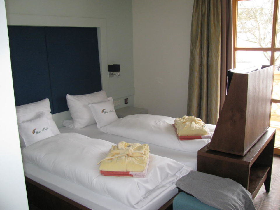 Hd Tv Am Fussende Vom Bett Cool Hotel Regenbogenland Zum
