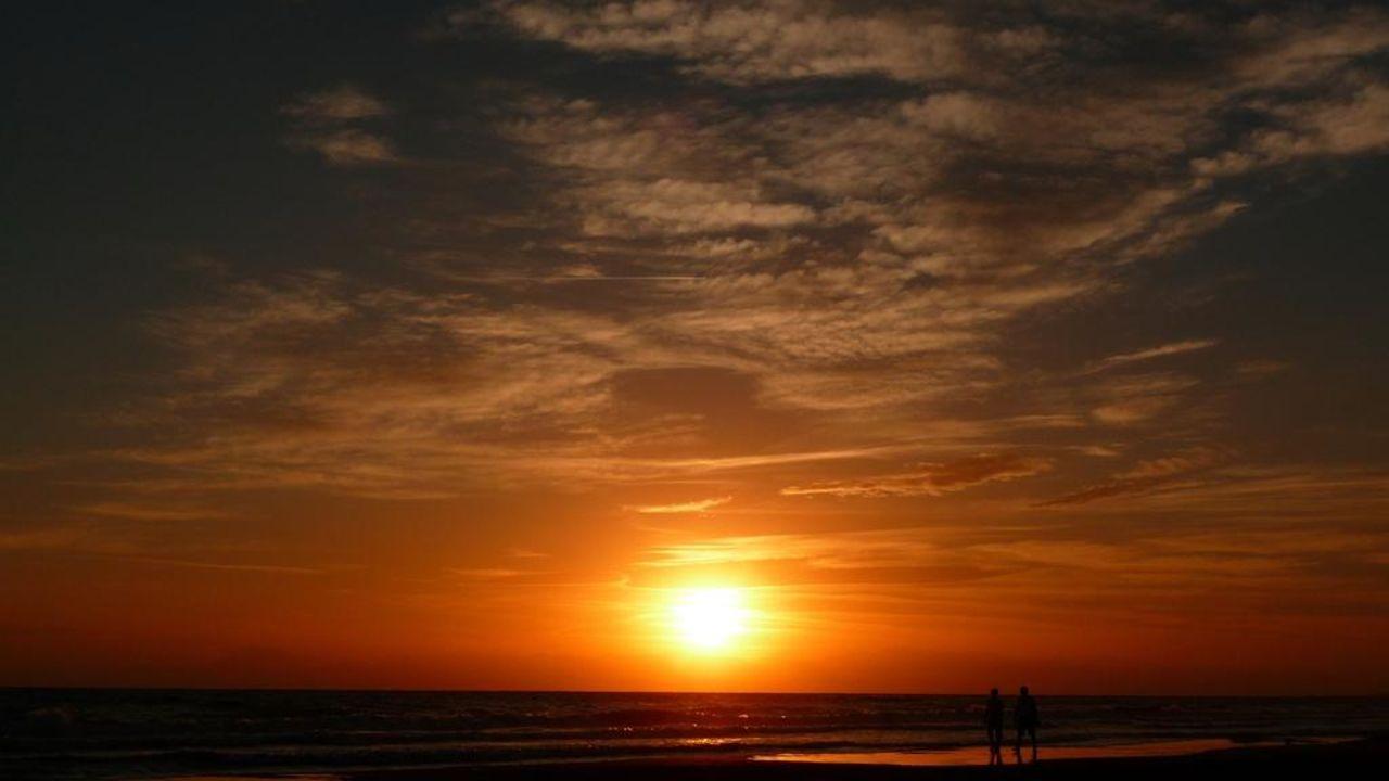Sonnenuntergang Hotel Terrace Beach Resort