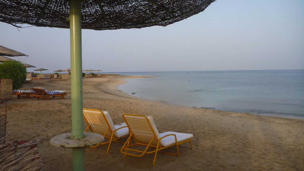 Spiaggia e mare Shams Alam Beach Resort