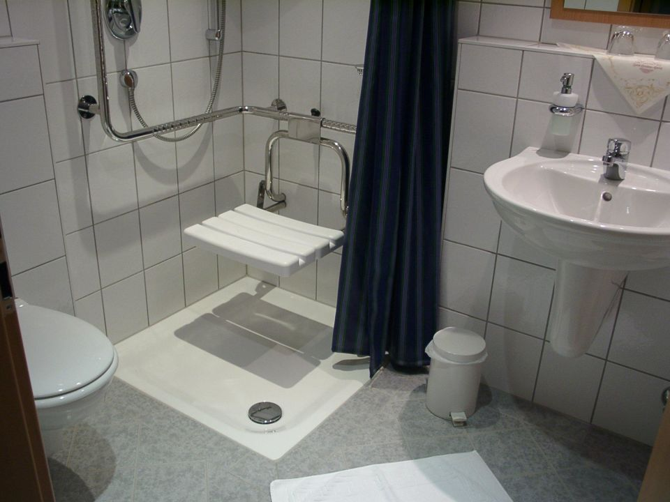 dusche behindertengerecht zum hasen hein in hamminkeln. Black Bedroom Furniture Sets. Home Design Ideas