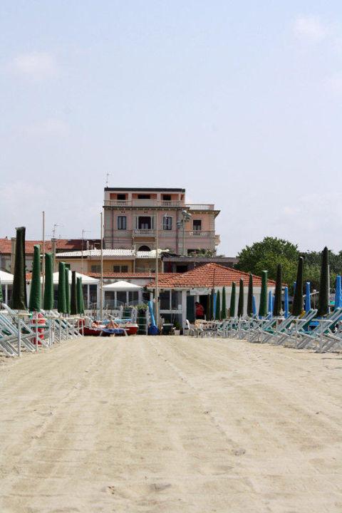 Strand un Villa Tina Hotel Villa Tina