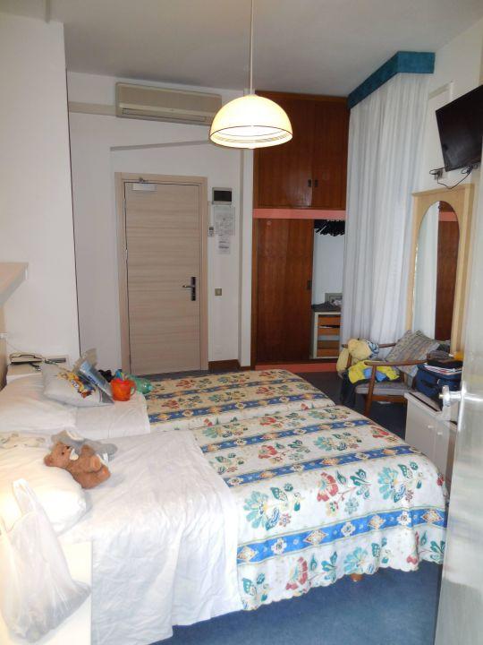 Zimmer 518 zur Strasse mit Verbindungstür zu 519 Hotel Las Vegas
