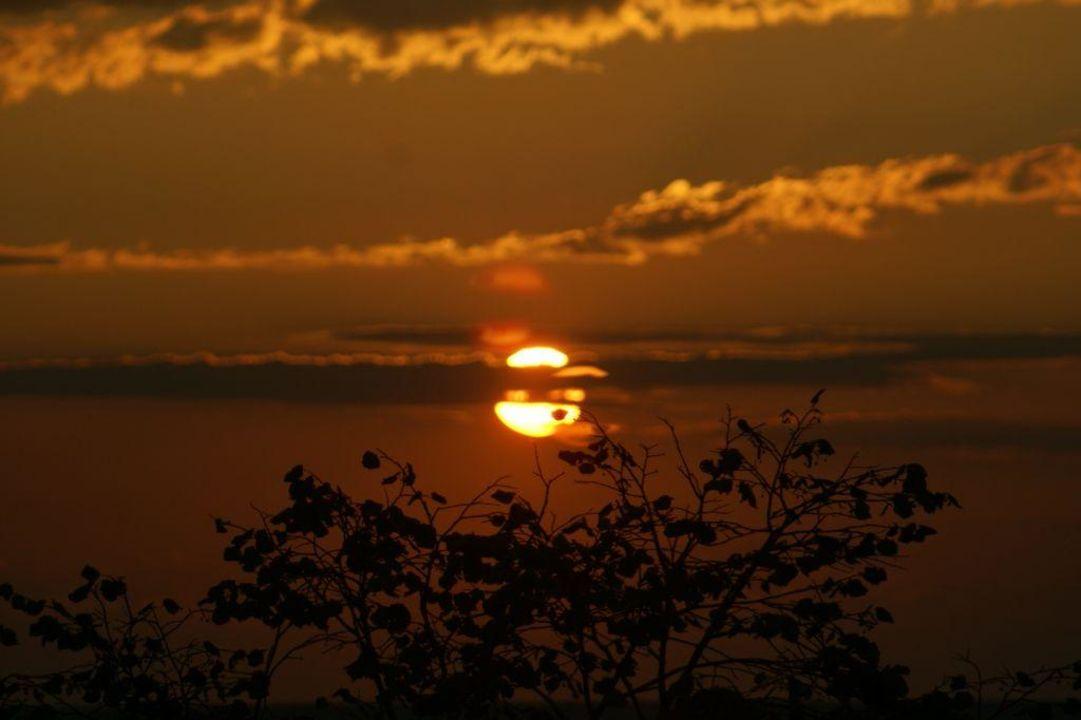 Wschód słońca godz. 5,58 HVD Clubhotel Miramar
