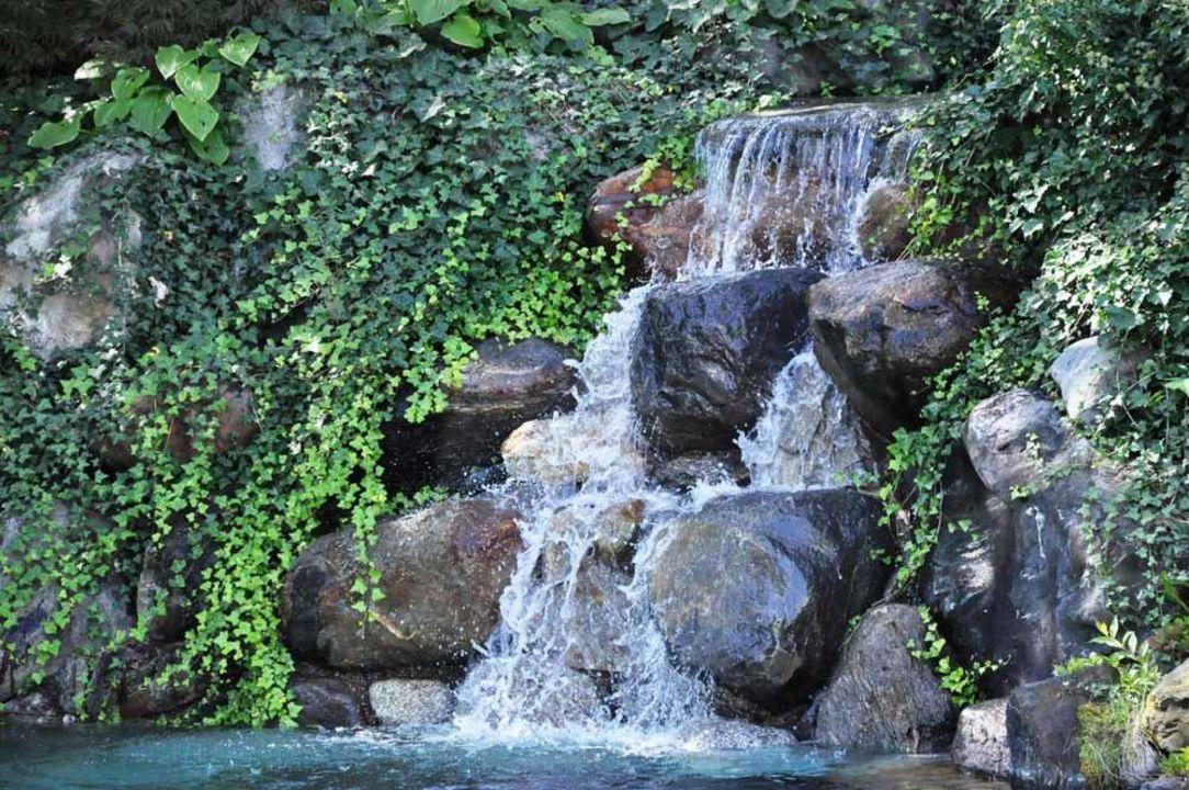 Wasserfall Pool Hotel Braunsbergerhof