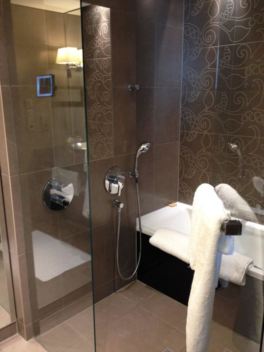 Dusche & Badezimmer\