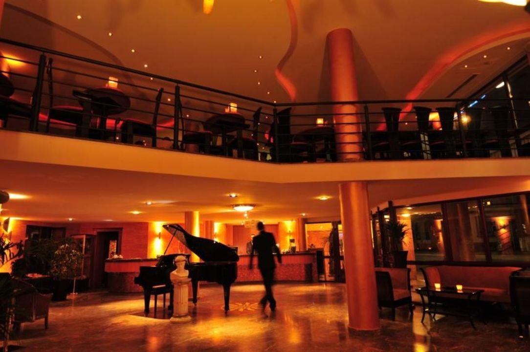 Empfang Hotel Santo