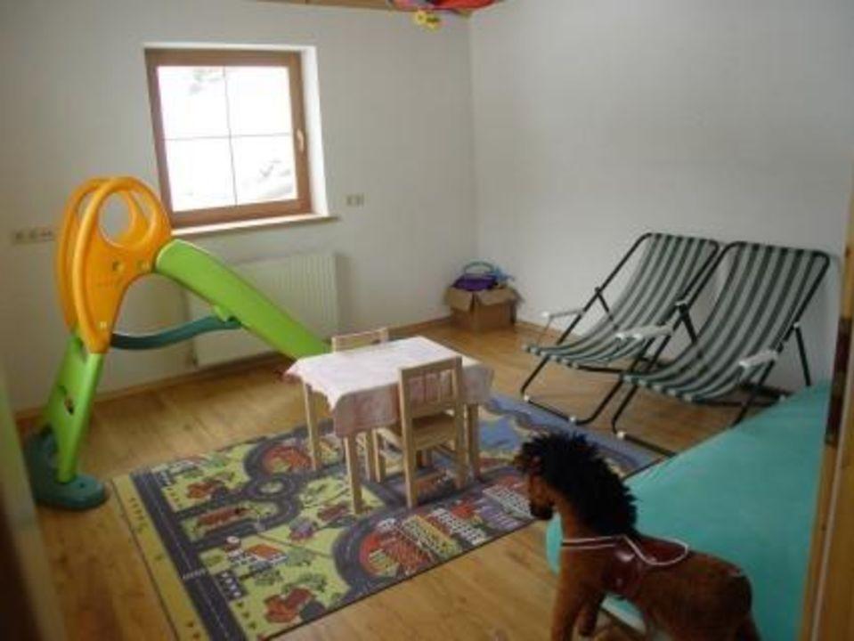 Kinderspielraum in der Familienhütte Naturparkchalet