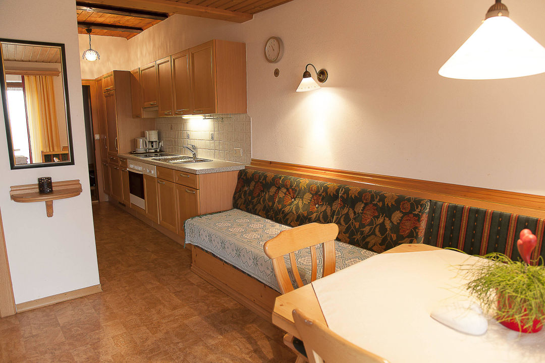 Gemutliche Wohnkuche Mit Balkon Romantische Appartements