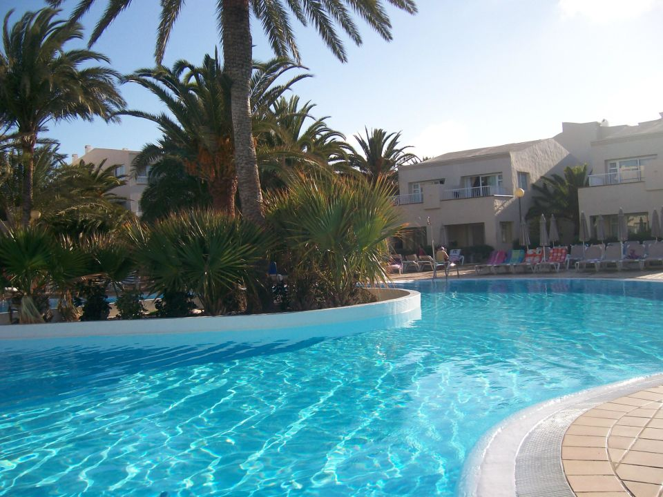 Kalter pool ohne insassen hotel riu oliva beach for Riu oliva beach village