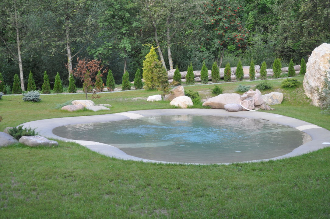 kleiner schwimmteich der wellnessoase rio stava family resort spa tesero holidaycheck. Black Bedroom Furniture Sets. Home Design Ideas
