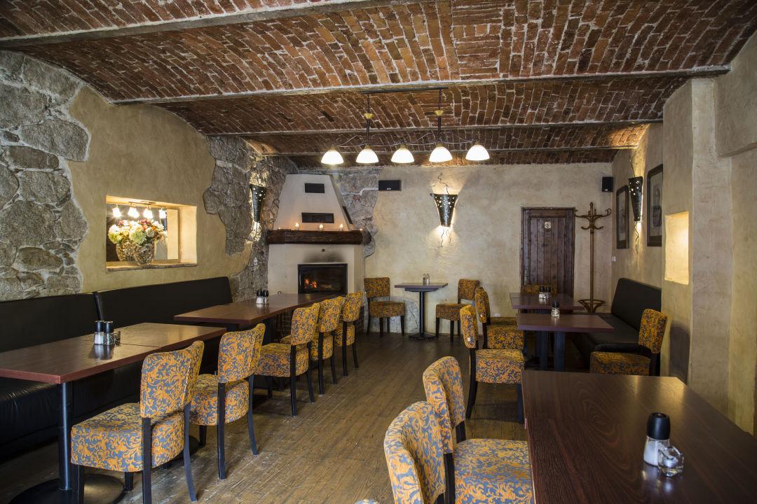 Gastro Hotel Lomnice