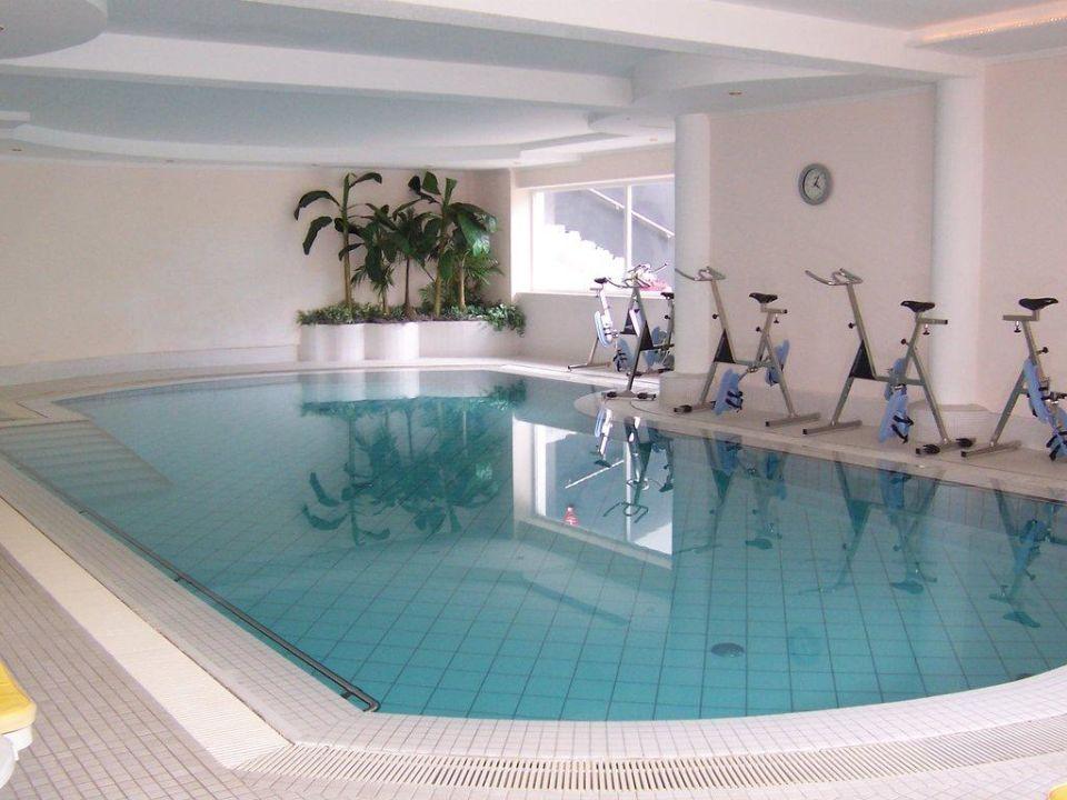 Hallenbad Im Haus Mit Aquabikes Design Hotel Tyrol Parcines