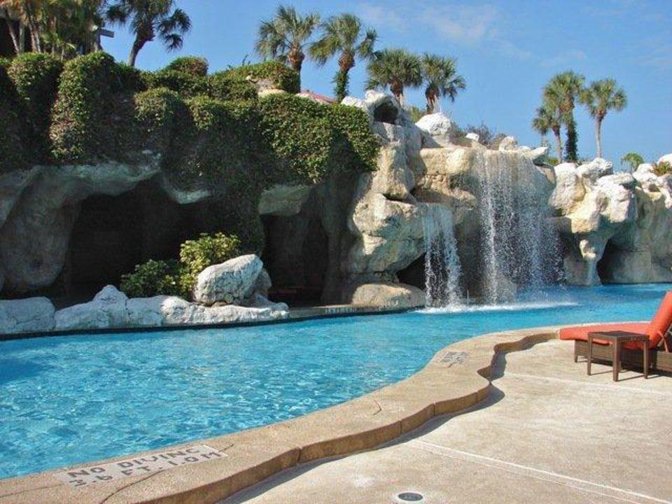 Indoor pool grotte  Pool mit Grotte