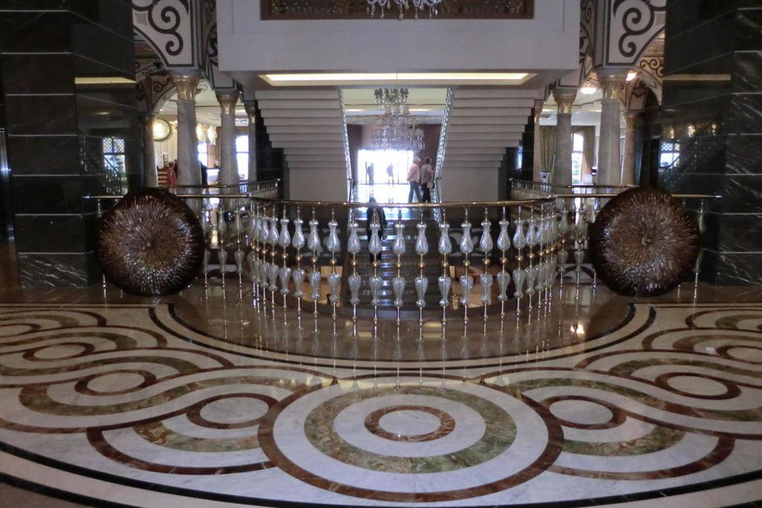 Лобби Royal Holiday Palace