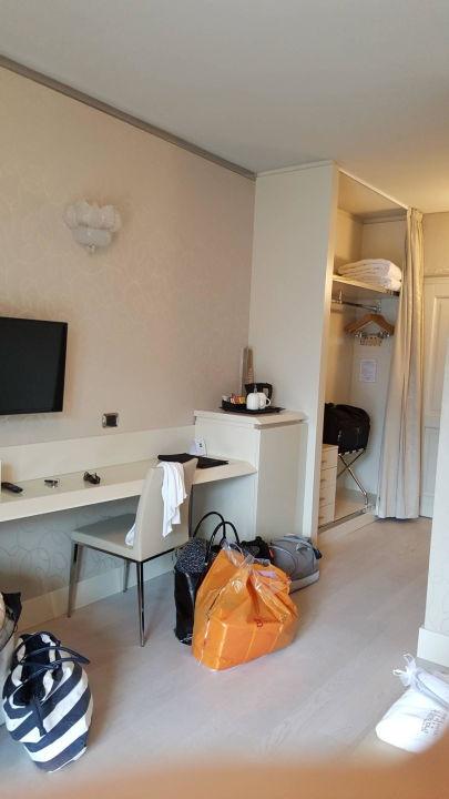 Flur Und Begehbarer Kleiderschrank Junior Suite Park Hotel Imperial