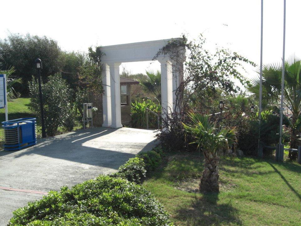 Weg zum Strand Trendy Aspendos Beach Hotel