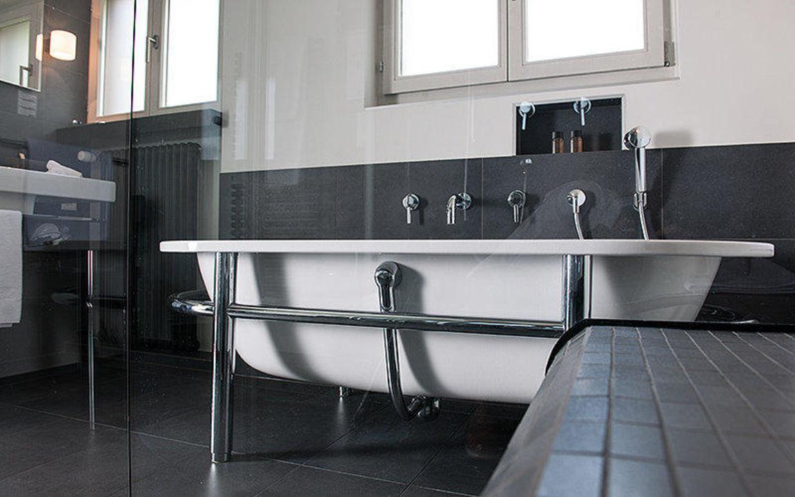 badezimmer r sidence hotel arc en ciel gstaad holidaycheck kanton bern schweiz. Black Bedroom Furniture Sets. Home Design Ideas