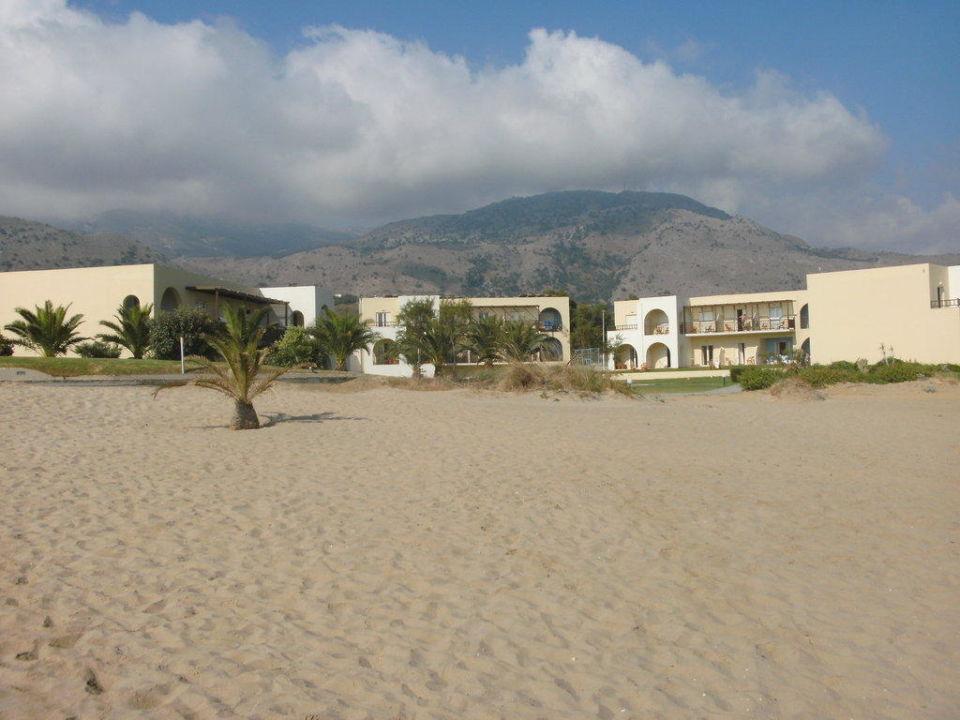 bild fr hst ck am meer zu hotel pilot beach in georgioupolis. Black Bedroom Furniture Sets. Home Design Ideas