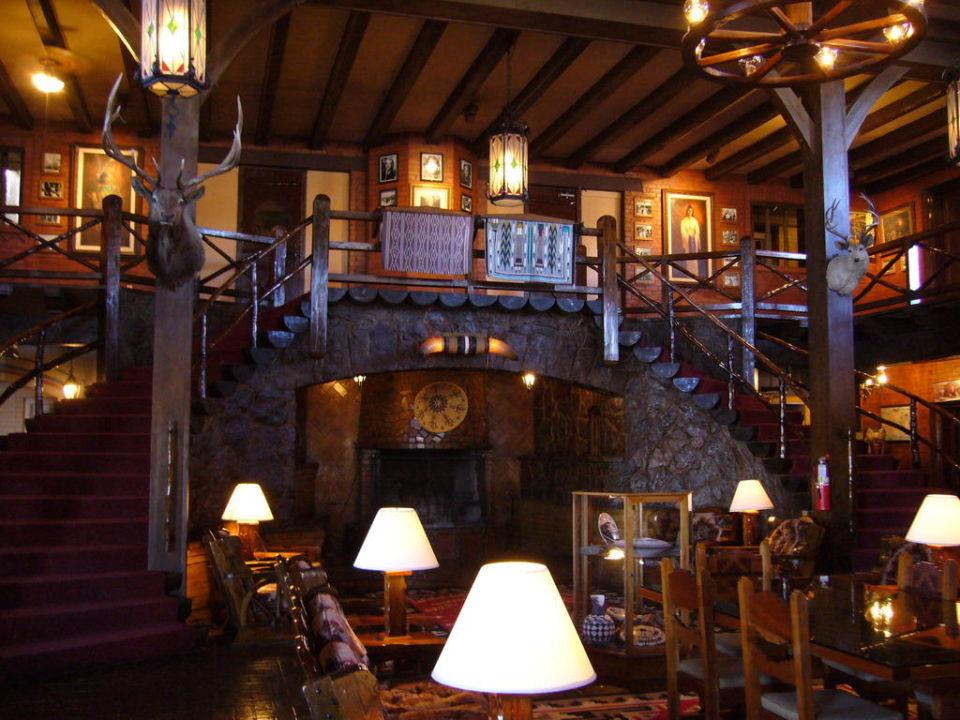 Entrata dell'albergo El Rancho Hotel