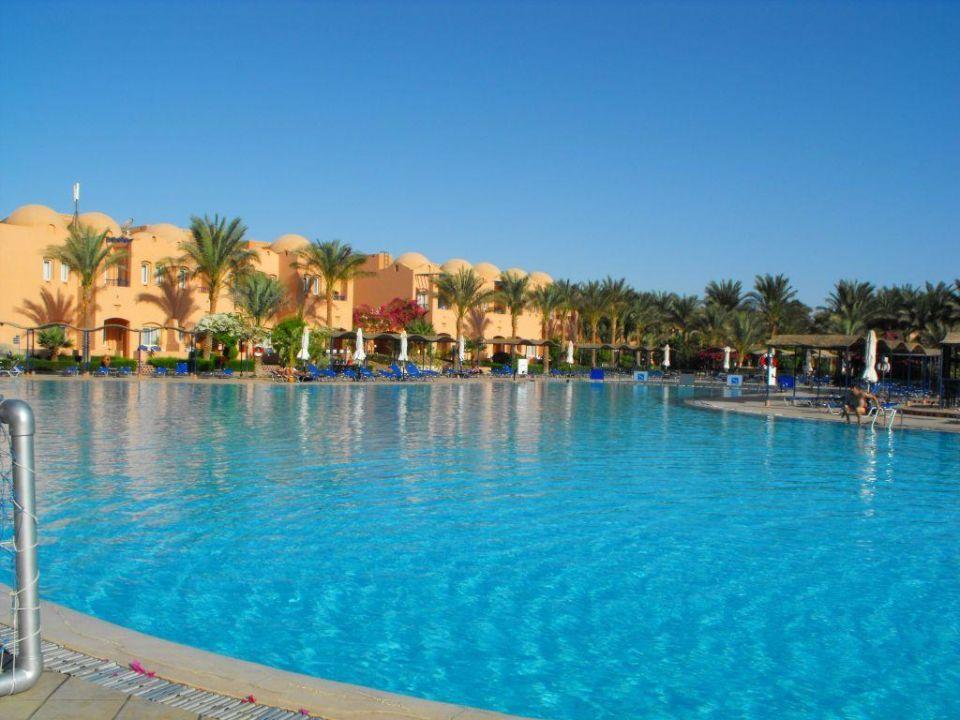 Basen Jaz Makadi Oasis Club & Resort