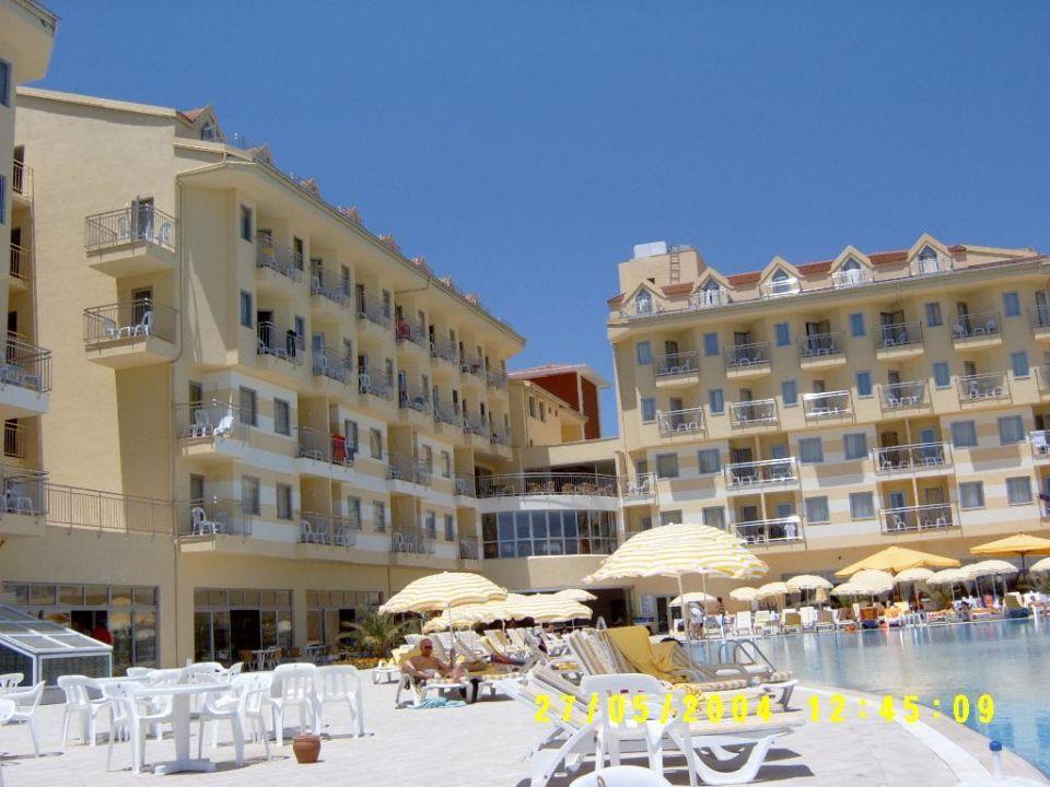 Diamond Beach - Poolblick auf Hotel Diamond Beach Hotel & Spa