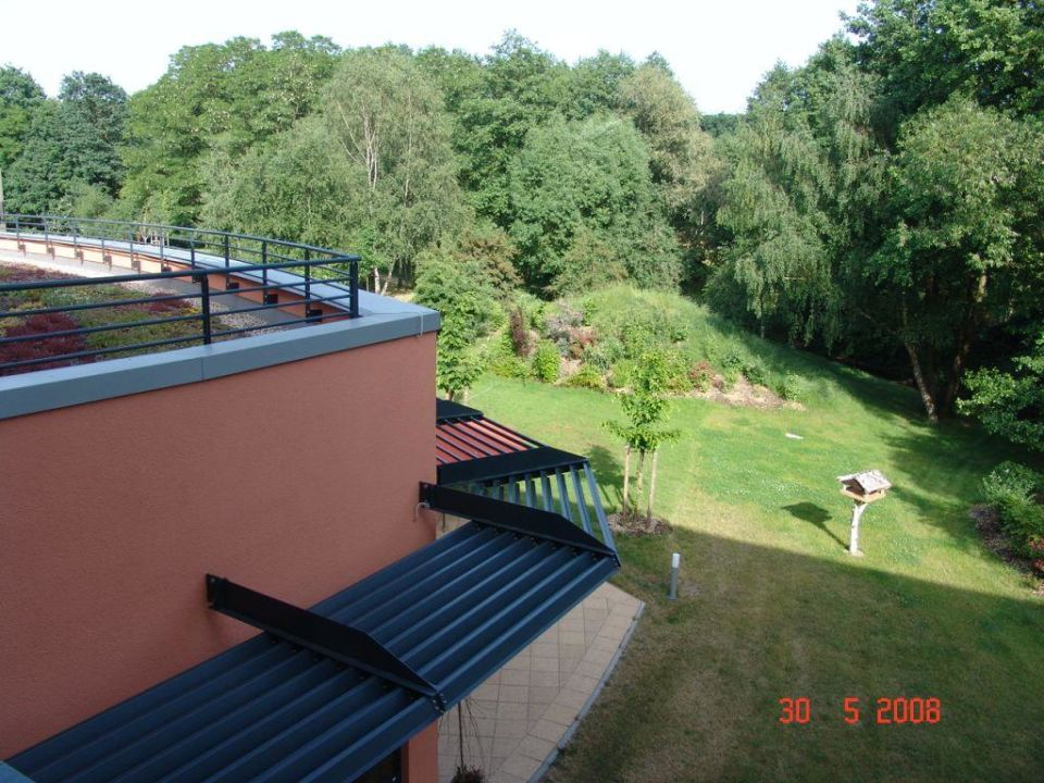 Blick in den Hotelgarten HEIDE SPA Hotel & Resort