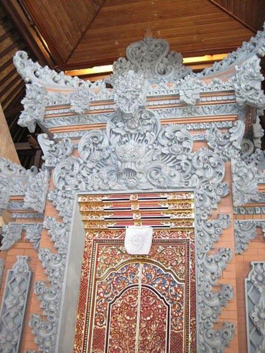 Balinesische Türe Hotel Bali Tropic Resort & Spa