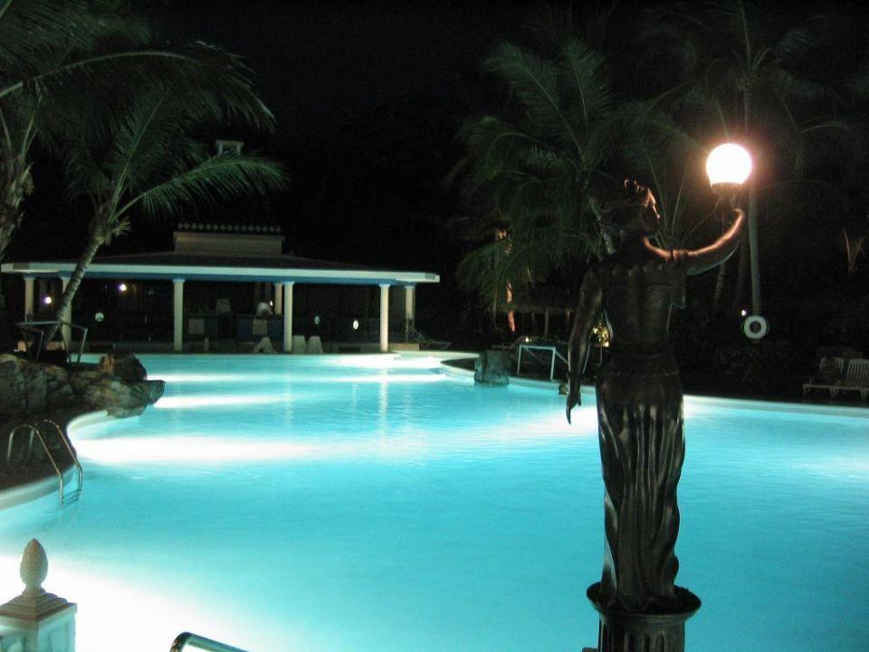 Pool by Night Hotel Riu Bambu