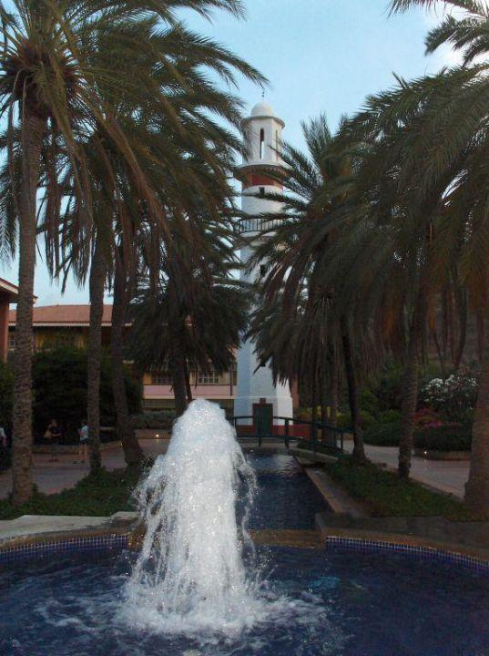 Hotelgarten an den Gebäude 33-35 Dunes Hotel & Beach Resort