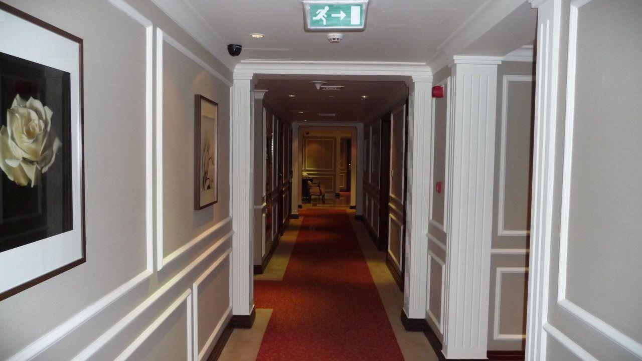 Flur zu den Zimmern Hotel Royal Ascot