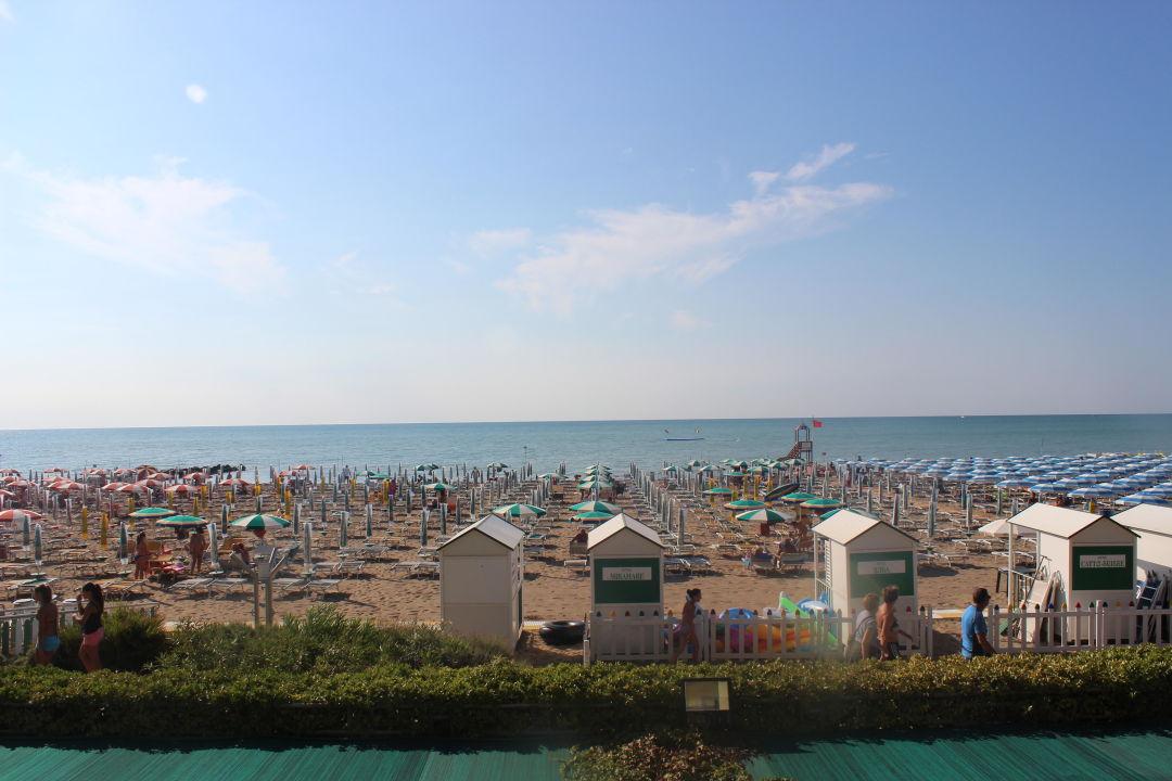 Lage direkt am Strand Hotel Miramare