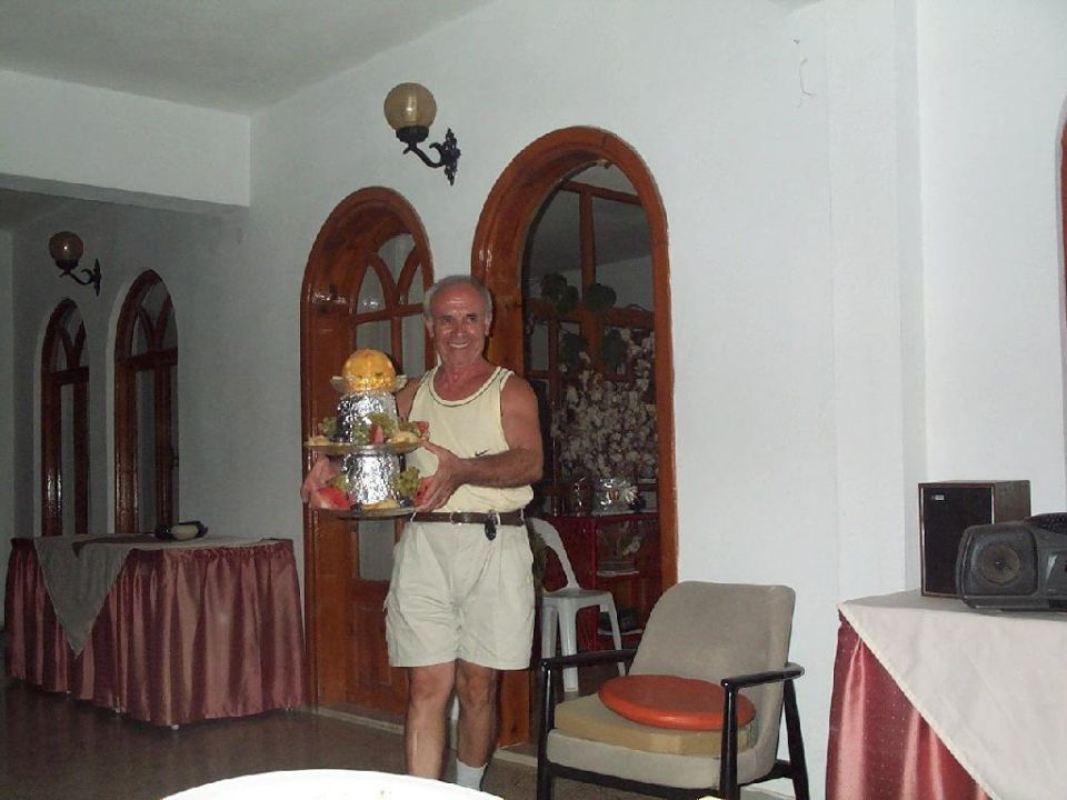 Und  zu Abschluss ein leckerer Obstsalat. Hotel Malibu