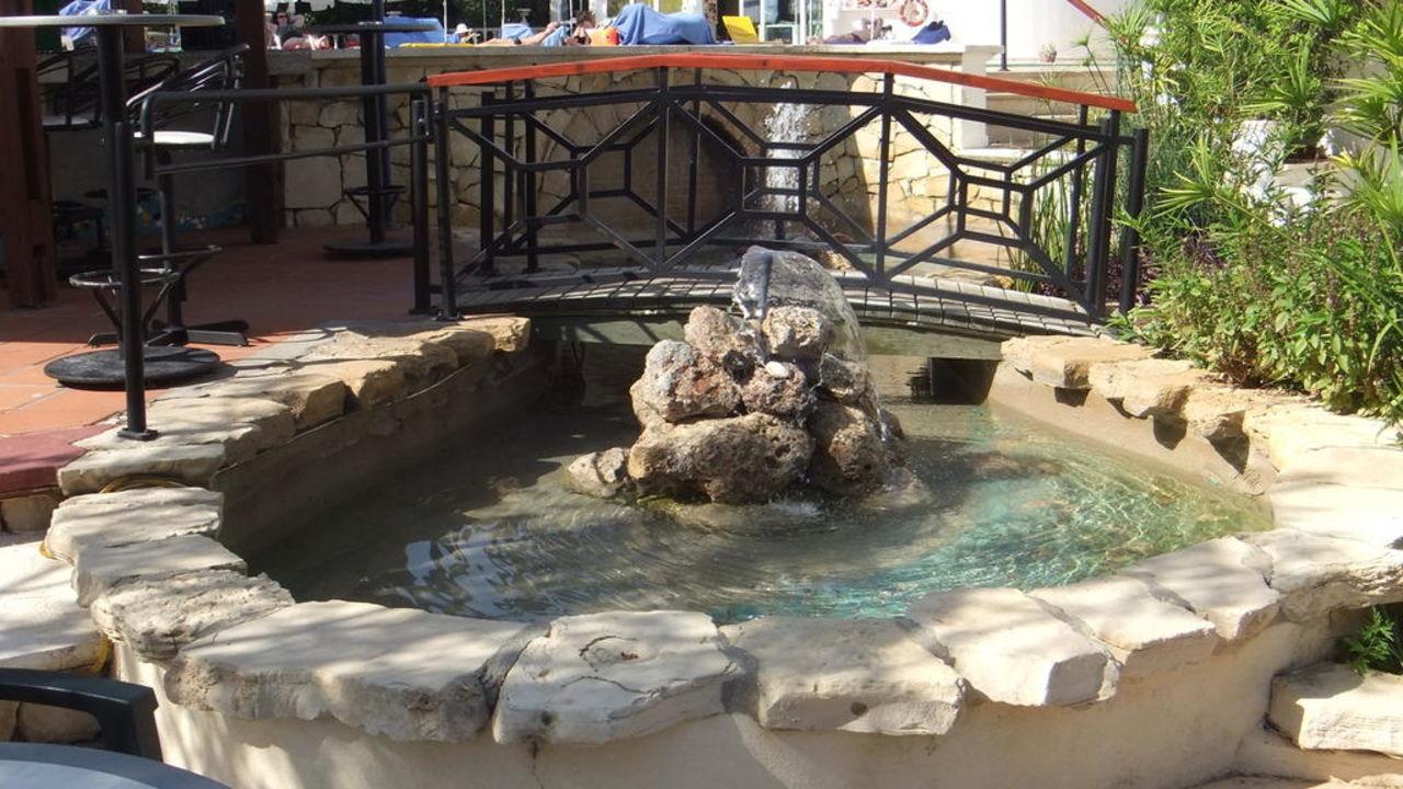 Springbrunnen an der Kalebar LABRANDA Alantur Resort