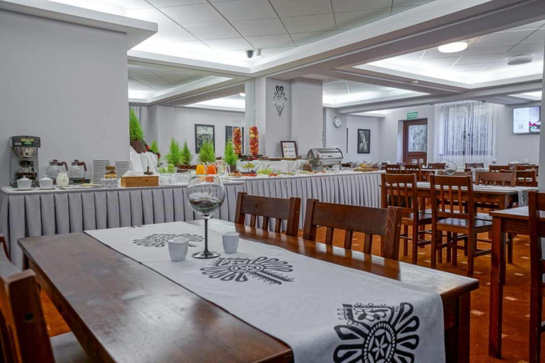 Stol Szwedzki Rezydencja Sienkiewiczowka Zakopane Holidaycheck