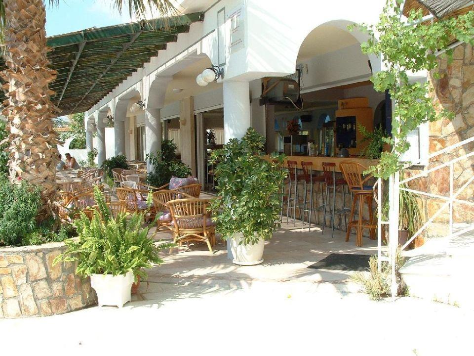 Poolbar und Außenterrasse Hotel Faliraki Bay