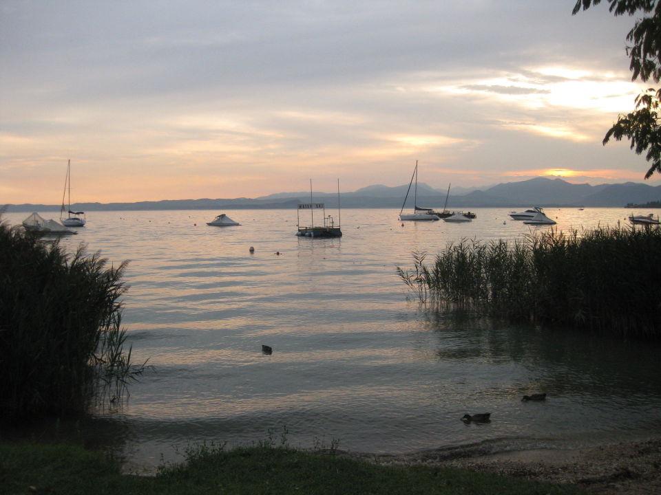 Zugang zum See  Camping Serenella