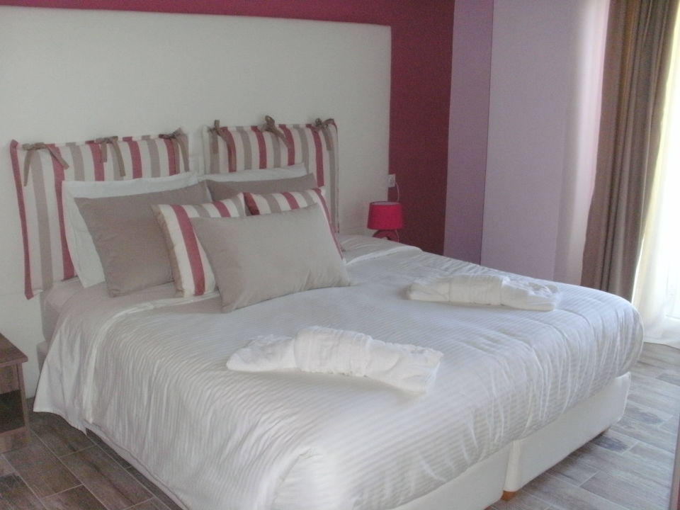 bett hotel belle helene beach agios georgios pagi holidaycheck korfu griechenland. Black Bedroom Furniture Sets. Home Design Ideas