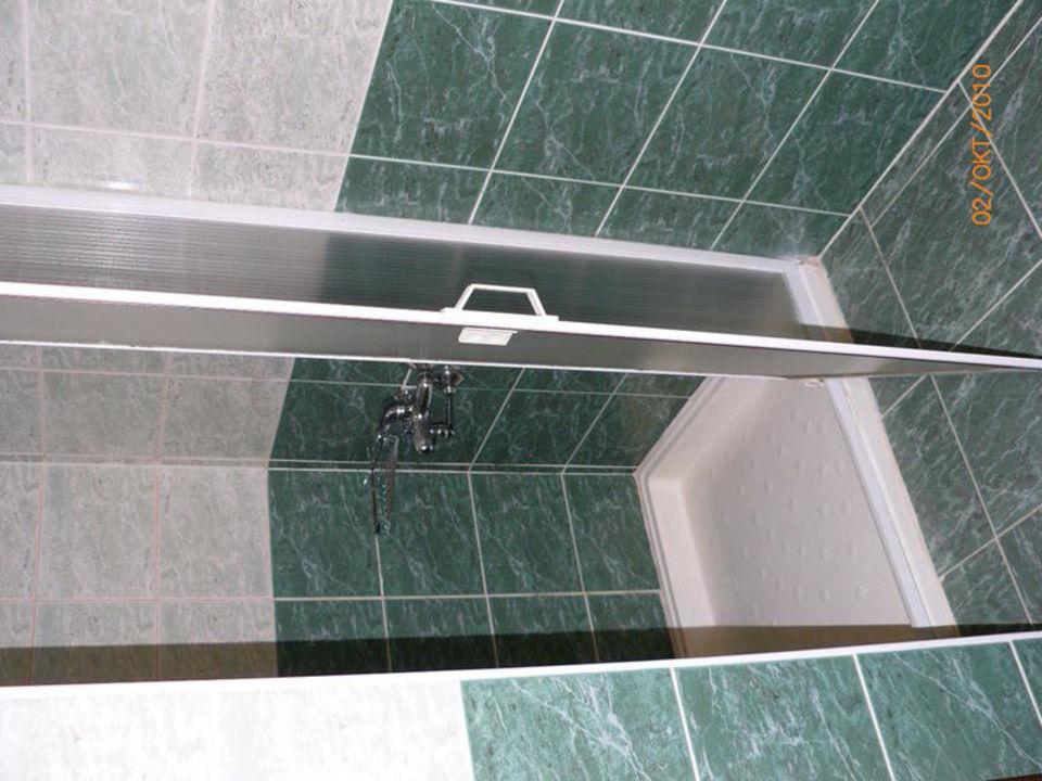 Bathroom Hotel Royal Garden Suite