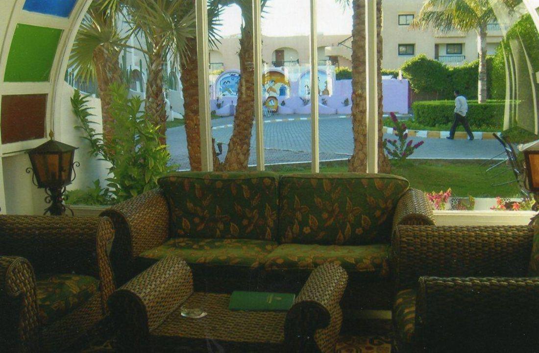 Hier macht sogar warten Spaß Aladdin Beach Resort