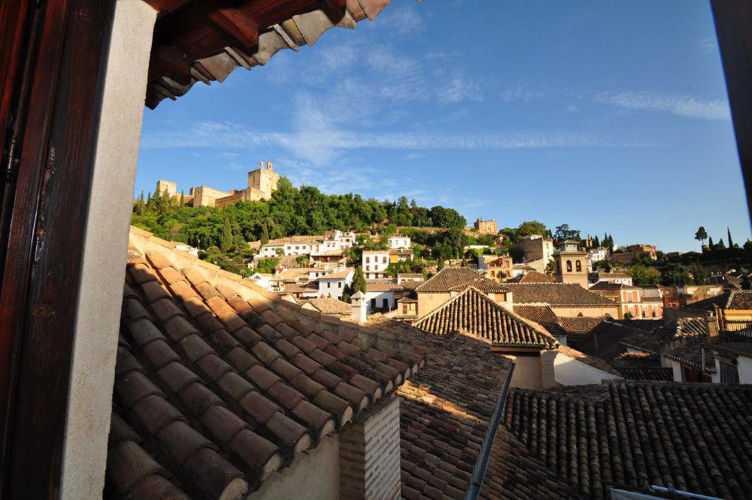 Ausblick auf Alhambra und Altstadt Hotel Casa 1800 Granada