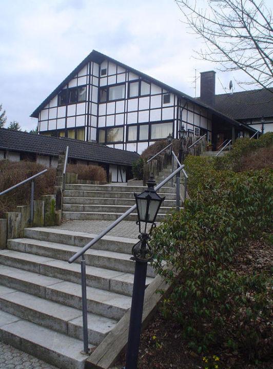 Hotel Hauptgeäbude mit Aufgang! Sporthotel & Resort Grafenwald