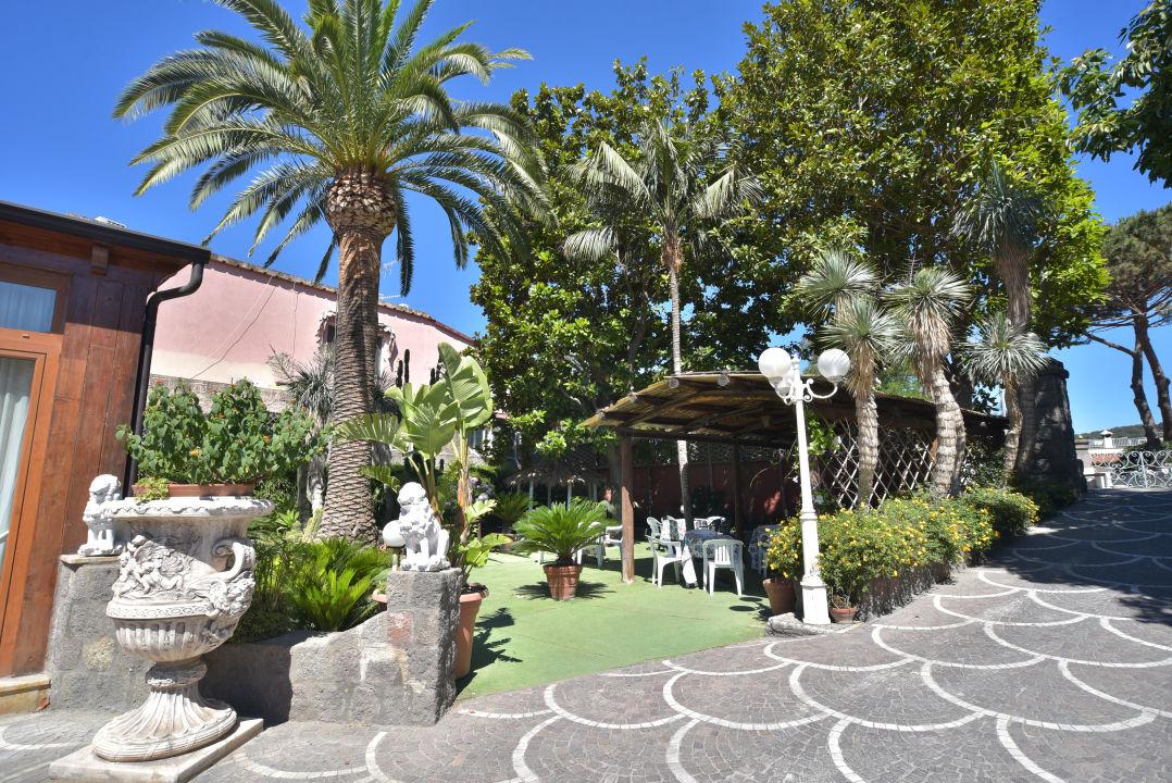 Gartenanlage Hotel Villa Franca