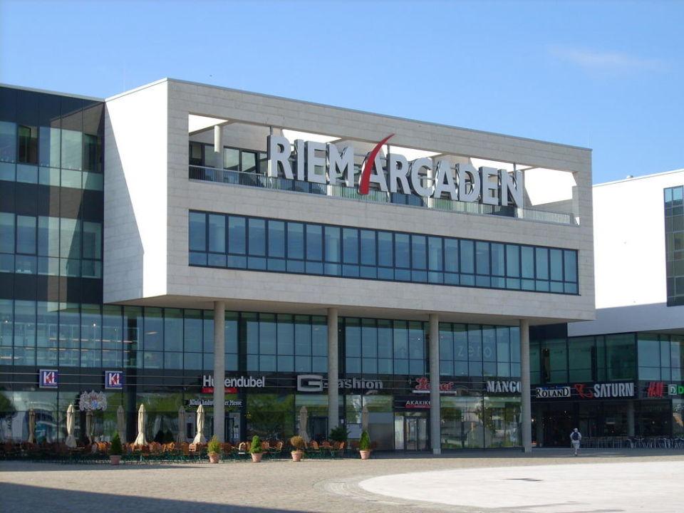 Der Ausblick zu den Riem Accarden Hotel Novotel München Messe