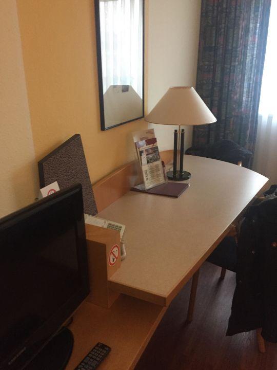 Schreibtisch Hotel Arvena Kongress
