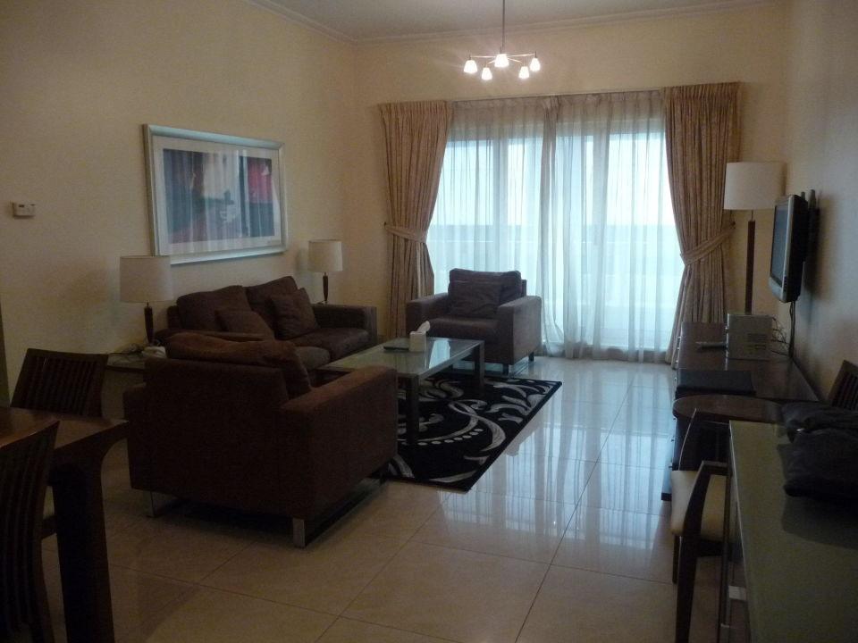 Geräumiges Wohnzimmer Al Barsha Hotel Apartments